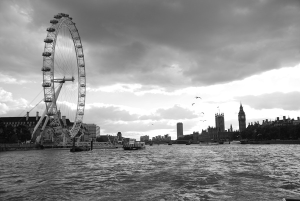 London Eye from River Thames by 서정훈